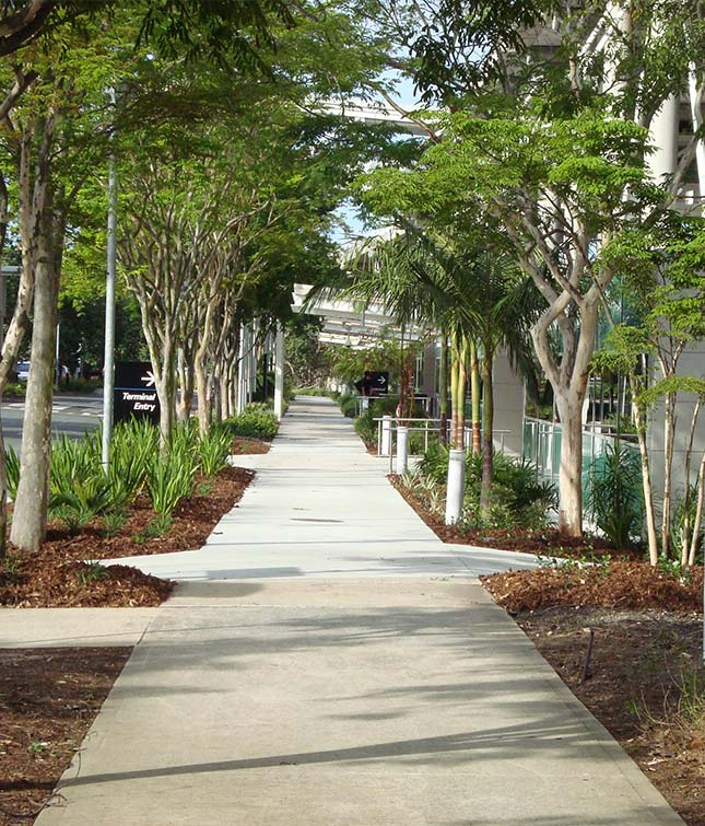 <b>Commercial & Industrial</b> Landscaping